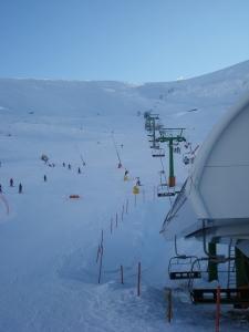 Telesilla que sube a 150 m de la cima del San Lorenzo.