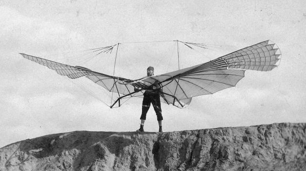 """Otto preparado para despegar con su """"Normal soaring apparatus"""""""